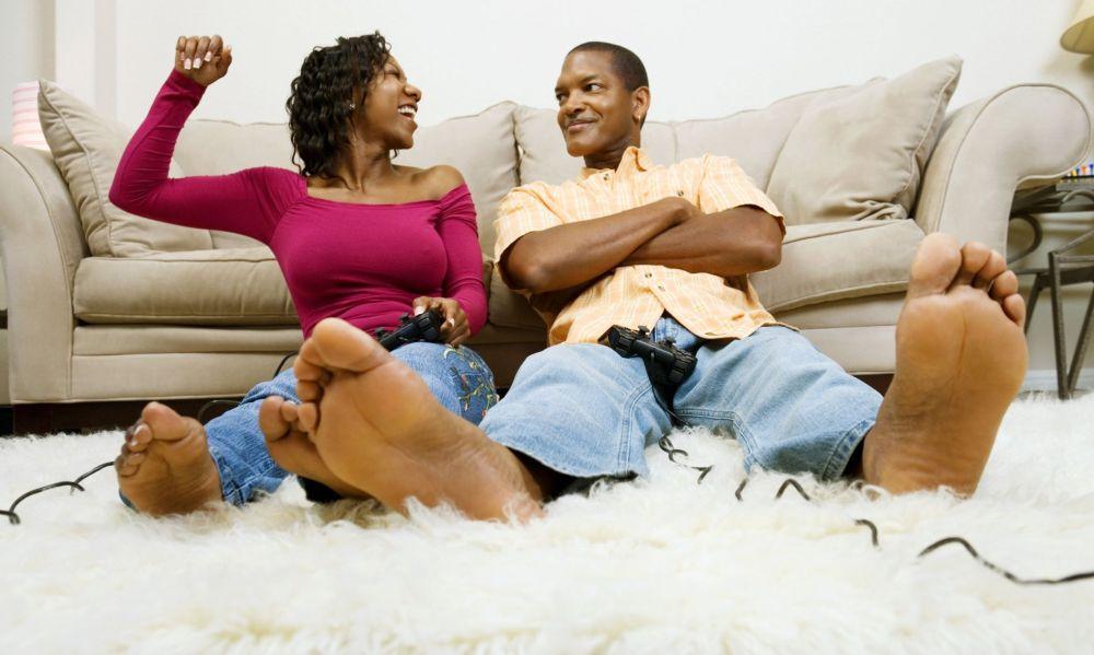 black-couple-playing-video-game.jpeg